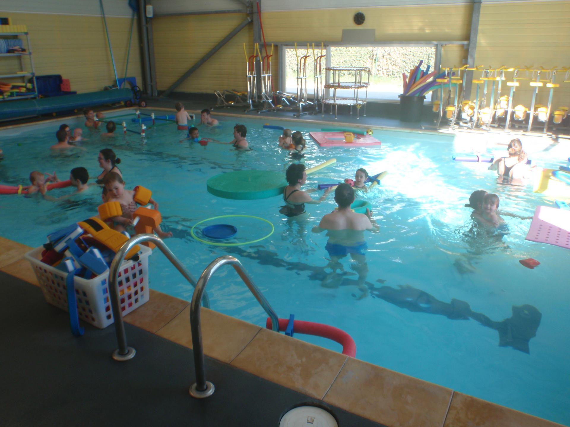 Bebes nageurs et eveil aquatique for Cash piscine les angles